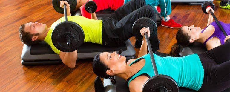 Sis hàbits del gimnàs que milloren la capacitat laboral